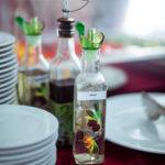 заправки для блюд на шведском столе